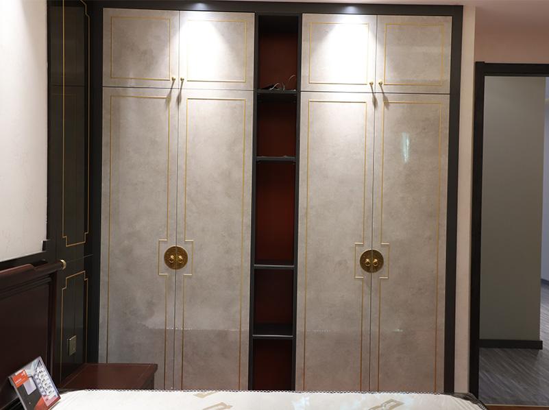 新中压铜条衣柜